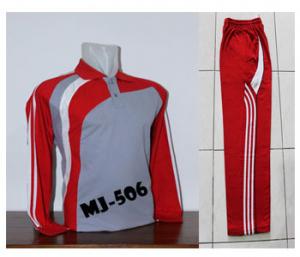Setelan Baju Kaos Olahraga dan Celana Training